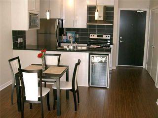 "Photo 3: 207 689 ABBOTT Street in Vancouver: Downtown VW Condo for sale in ""ESPANA"" (Vancouver West)  : MLS®# V822206"