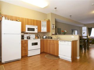 """Photo 3: 48 2000 PANORAMA Drive in Port Moody: Heritage Woods PM Townhouse for sale in """"MOUNTAIN'S EDGE"""" : MLS®# V852937"""