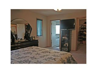 Photo 9: 152 APPLEMONT Close SE in CALGARY: Applewood Residential Detached Single Family for sale (Calgary)  : MLS®# C3453310