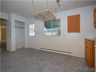 Photo 7: 669 Pine St in VICTORIA: VW Victoria West House for sale (Victoria West)  : MLS®# 560025