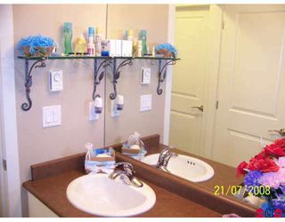 """Photo 6: 20 16772 61ST Avenue in Surrey: Cloverdale BC Townhouse for sale in """"Laredo"""" (Cloverdale)  : MLS®# F2822581"""
