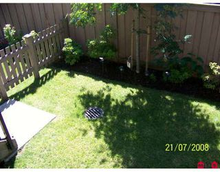"""Photo 4: 20 16772 61ST Avenue in Surrey: Cloverdale BC Townhouse for sale in """"Laredo"""" (Cloverdale)  : MLS®# F2822581"""
