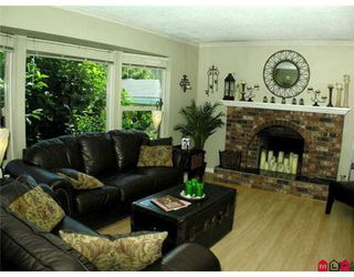 Photo 2: 10137 DUBLIN Drive in Chilliwack: Fairfield Island House for sale : MLS®# H2805200