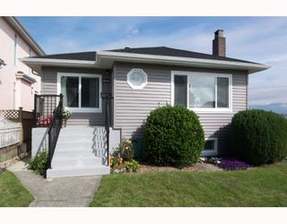 Main Photo: 2995 E 4TH Avenue in Vancouver: Renfrew VE House for sale (Vancouver East)  : MLS®# V756407