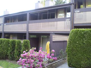 "Photo 1: 1213 34909 OLD YALE Road in Abbotsford: Abbotsford East Townhouse for sale in ""THE GARDENS"" : MLS®# F2911872"