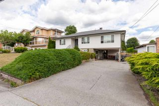 Photo 1: 936 SPRINGER Avenue in Burnaby: Parkcrest House for sale (Burnaby North)  : MLS®# R2408775
