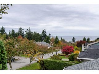 Photo 2: 12701 17A AVENUE in Surrey: Crescent Bch Ocean Pk. House for sale (South Surrey White Rock)  : MLS®# R2012208