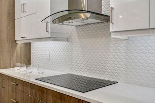 Photo 2: 10159 89 Street in Edmonton: Zone 13 House for sale : MLS®# E4183451