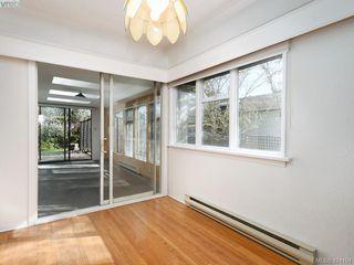 Photo 4: 1660 Earlston Ave in VICTORIA: SE Mt Tolmie House for sale (Saanich East)  : MLS®# 837570