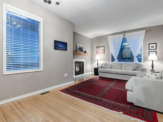 Photo 10: 707 1 Avenue NW in Calgary: Sunnyside Detached for sale : MLS®# A1041244