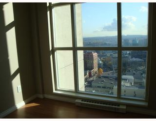"Photo 3: 2608 438 SEYMOUR Street in Vancouver: Downtown VW Condo  in ""CONFERENCE PLAZA"" (Vancouver West)  : MLS®# V797616"