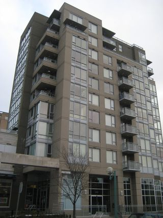 "Photo 1: 206 2483 SPRUCE Street in Vancouver: Fairview VW Condo for sale in ""SKYLINE ON BROADWAY"" (Vancouver West)  : MLS®# V800976"