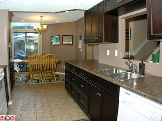 """Photo 4: 104 2533 MARCET Court in Abbotsford: Abbotsford East Townhouse for sale in """"OLD YALE HEIGHTS"""" : MLS®# F1022838"""