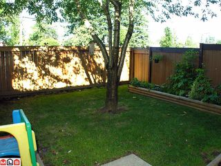 """Photo 10: 104 2533 MARCET Court in Abbotsford: Abbotsford East Townhouse for sale in """"OLD YALE HEIGHTS"""" : MLS®# F1022838"""