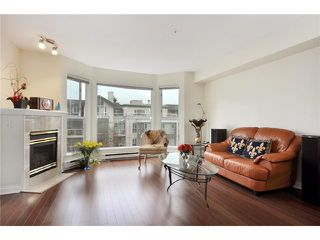 "Photo 2: 302 225 E 19TH Avenue in Vancouver: Main Condo for sale in ""THE NEWPORT ON MAIN"" (Vancouver East)  : MLS®# V859979"