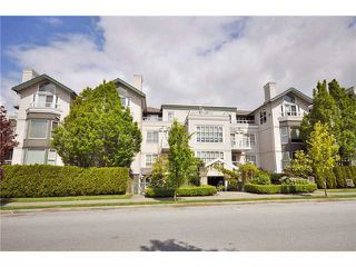 "Photo 1: 302 225 E 19TH Avenue in Vancouver: Main Condo for sale in ""THE NEWPORT ON MAIN"" (Vancouver East)  : MLS®# V859979"