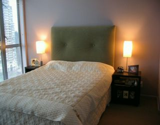 """Photo 5: 7388 SANDBORNE Ave in Burnaby: South Slope Condo for sale in """"MAYFAIR PLACE"""" (Burnaby South)  : MLS®# V597055"""