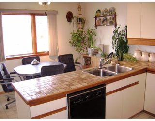 Photo 2:  in WINNIPEG: Transcona Residential for sale (North East Winnipeg)  : MLS®# 2906792