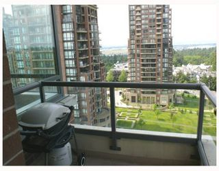 """Photo 10: 1408 6837 STATION HILL Drive in Burnaby: South Slope Condo for sale in """"THE CLARIDGES - CITY IN THE PARK"""" (Burnaby South)  : MLS®# V770790"""