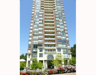 """Photo 1: 1408 6837 STATION HILL Drive in Burnaby: South Slope Condo for sale in """"THE CLARIDGES - CITY IN THE PARK"""" (Burnaby South)  : MLS®# V770790"""