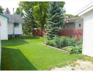 Photo 2: 1113 EDDERTON Avenue in WINNIPEG: Manitoba Other Residential for sale : MLS®# 2914454
