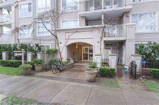 "Photo 1: 404 2755 MAPLE Street in Vancouver: Kitsilano Condo for sale in ""Davenport Lane"" (Vancouver West)  : MLS®# R2428313"