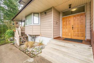 """Photo 3: 932 BERKLEY Road in North Vancouver: Blueridge NV Townhouse for sale in """"BERKLEY SQUARE"""" : MLS®# R2441702"""