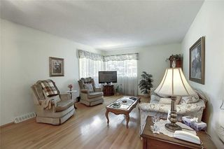 Photo 8: 24 HARDISTY Place SW in Calgary: Haysboro Detached for sale : MLS®# C4303423