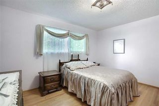 Photo 15: 24 HARDISTY Place SW in Calgary: Haysboro Detached for sale : MLS®# C4303423