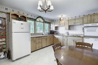 Photo 10: 24 HARDISTY Place SW in Calgary: Haysboro Detached for sale : MLS®# C4303423