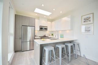 Photo 15: PH3 3420 ST CATHERINES STREET in Vancouver: Fraser VE Condo  (Vancouver East)  : MLS®# R2406276