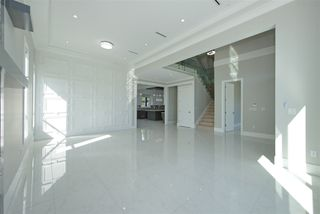 Photo 3: 7975 170A Street in Surrey: Fleetwood Tynehead House for sale : MLS®# R2502599