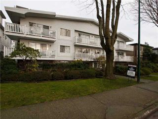 "Photo 1: 204 2365 W 3RD Avenue in Vancouver: Kitsilano Condo for sale in ""LANDMARK HORIZON"" (Vancouver West)  : MLS®# V867547"