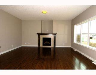Photo 4: 410 TARALAKE Way NE in CALGARY: Taradale Residential Detached Single Family for sale (Calgary)  : MLS®# C3382286