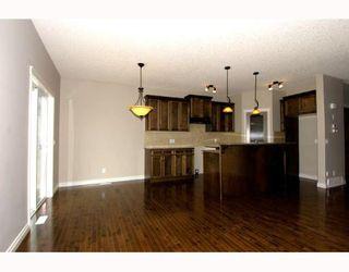 Photo 7: 410 TARALAKE Way NE in CALGARY: Taradale Residential Detached Single Family for sale (Calgary)  : MLS®# C3382286