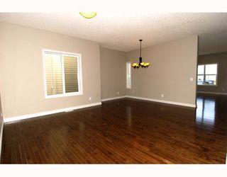 Photo 2: 410 TARALAKE Way NE in CALGARY: Taradale Residential Detached Single Family for sale (Calgary)  : MLS®# C3382286
