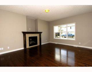 Photo 5: 410 TARALAKE Way NE in CALGARY: Taradale Residential Detached Single Family for sale (Calgary)  : MLS®# C3382286