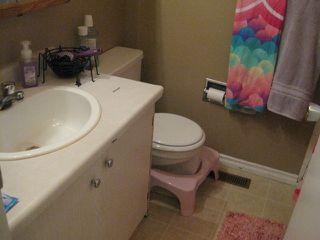 Photo 7: 18030 95A Avenue in Edmonton: Zone 20 House Half Duplex for sale : MLS®# E4168178