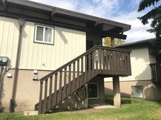 Photo 4: 542 LEE_RIDGE Road in Edmonton: Zone 29 House Half Duplex for sale : MLS®# E4172757