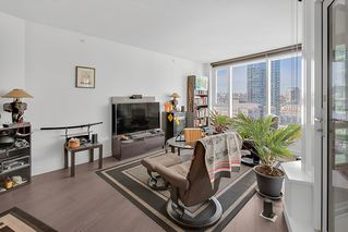 "Photo 2: 1210 68 SMITHE Street in Vancouver: Downtown VW Condo for sale in ""ONE Pacific"" (Vancouver West)  : MLS®# R2405438"