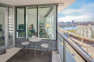"Photo 17: 1210 68 SMITHE Street in Vancouver: Downtown VW Condo for sale in ""ONE Pacific"" (Vancouver West)  : MLS®# R2405438"