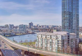 "Photo 18: 1210 68 SMITHE Street in Vancouver: Downtown VW Condo for sale in ""ONE Pacific"" (Vancouver West)  : MLS®# R2405438"