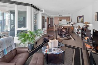"Photo 3: 1210 68 SMITHE Street in Vancouver: Downtown VW Condo for sale in ""ONE Pacific"" (Vancouver West)  : MLS®# R2405438"
