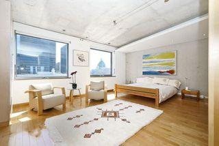 Photo 3: 71 Simcoe St, Unit 2601, Toronto, Ontario M5J2S9 in Toronto: Condominium Apartment for sale (Bay Street Corridor)  : MLS®# C3512872