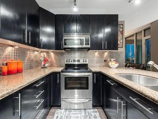 Photo 3: 1904 1410 1 Street SE in Calgary: Beltline Apartment for sale : MLS®# A1048436