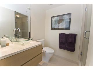 "Photo 9: 806 8 SMITHE MEWS in Vancouver: False Creek North Condo for sale in ""FLAGSHIP"" (Vancouver West)  : MLS®# V854832"
