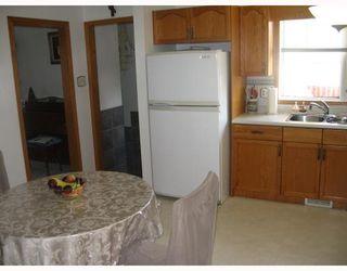 Photo 3: 1148 COURT Avenue in WINNIPEG: West Kildonan / Garden City Residential for sale (North West Winnipeg)  : MLS®# 2815967