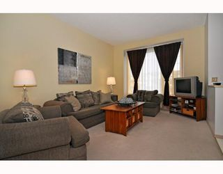 Photo 3: 10 SHAWBROOKE Court SW in CALGARY: Shawnessy Townhouse for sale (Calgary)  : MLS®# C3377313