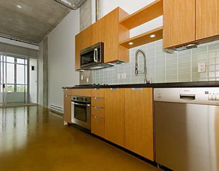 "Photo 5: 203 495 W 6TH Avenue in Vancouver: Mount Pleasant VW Condo for sale in ""LOFT 495"" (Vancouver West)  : MLS®# V772175"