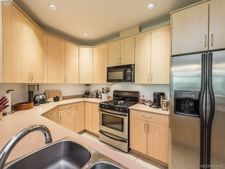 Photo 9: 304 330 Waterfront Cres in VICTORIA: Vi Rock Bay Condo for sale (Victoria)  : MLS®# 822083